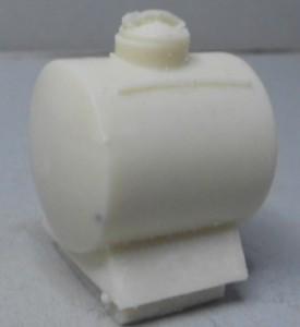 Cisterna pequeña lisa con vierteaguas ( Bodegas Casimiro Aguirre) 30 x 25 mm