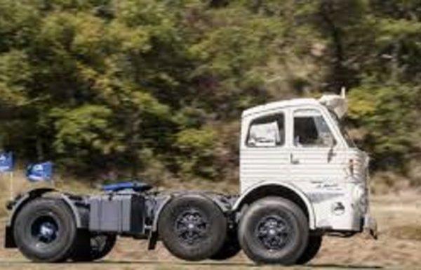 Pegaso 2045. La tractora Imposible